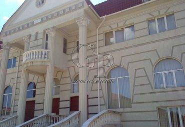 Pipera - Cantacuzino, vila D+P+2E+M, 23 camere