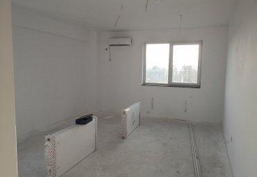 Negru Voda: apartament 3 camere, decomandat, etajul 3